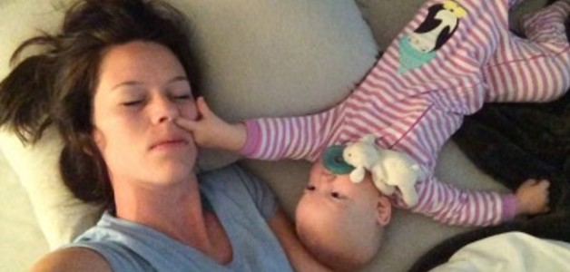 Falta de sono deixa mães mais permissivas