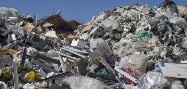 R$ 1 bilhão achado no lixo: empreendedor fica rico com logística de reciclagem
