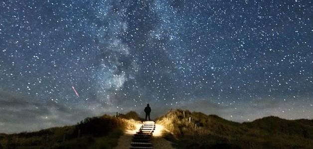 Stairway to heaven: a cada dois anos, as estrelas se alinham com a estrada na Alemanha e parecem te levar ao céu