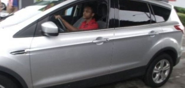 Ele caminhou 32km para não chegar atrasado no primeiro dia de trabalho: ganhou um carro do chefe