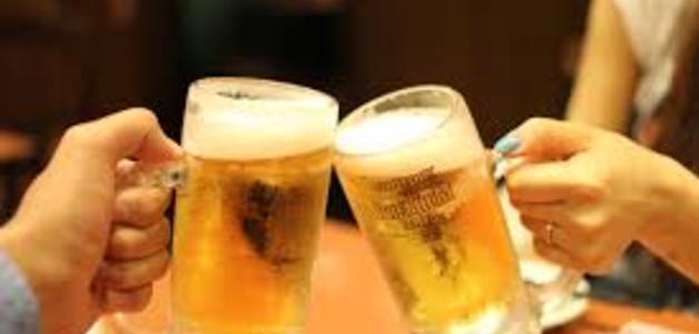 Brasileiro gasta 14% do salário com cerveja