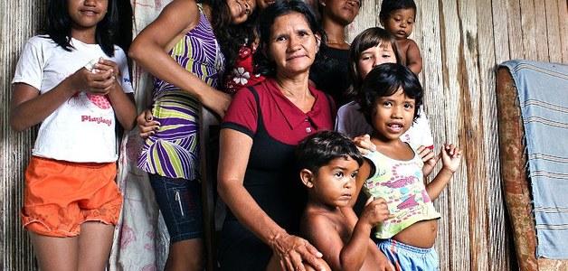 Mulheres chefiam 42% das famílias no Brasil