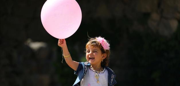 Filhos de mães que trabalham fora são mais felizes, diz estudo americano