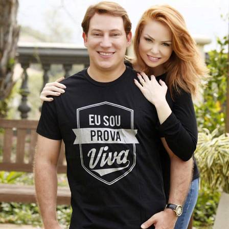 Os pastores Bianca Toledo e Felipe Heiderich