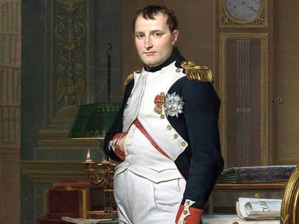 Napoleão bonapare com a mão na barriga